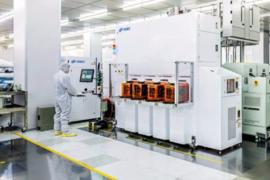 中微公司首台8英寸CCP刻蚀机PrimoAD-RIE200顺利付运