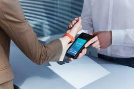 小米在海外发布Pad 5平板电脑和带NFC的小米智能手环6