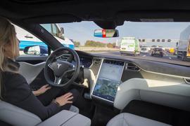 美监管要求12家汽车商提交数据 协助调查特斯拉Autopilot