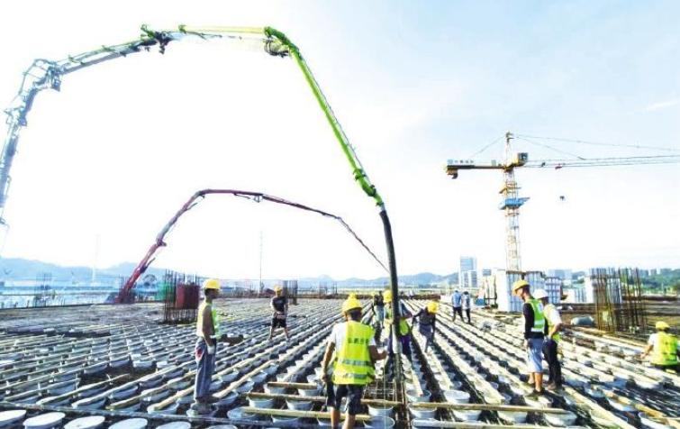 """《厂区""""心脏""""封顶!160亿元长沙三安第三代半导体项目迎来新进展》"""